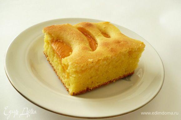 А это Леночкин кукурузный пирог,только у меня он с абрикосами.Очень вкусный,рекомендую испечьhttp://www.edimdoma.ru/retsepty/56014-pirog-s-chereshney-na-kukuruznoy-muke