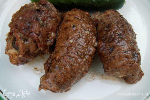 На днях готовила свиные рулетики с финиками от Sенечки http://www.edimdoma.ru/retsepty/56319-svinye-ruletiki-s-farshirovannymi-finikami-raz-dva-i-gotovo очень вкусная закуска, которая для меня была основным блюдом))). Сочетание невероятно насыщенное и аппетитное, просто объедение! Ксюша, в очередной раз спасибо за прекрасный рецепт!