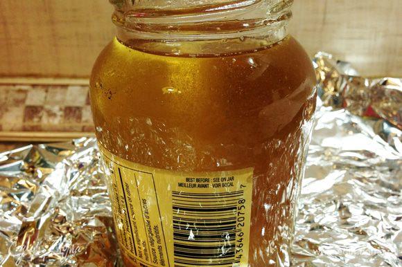 P.S. А вытопившийся жир можно перелить в баночку и поставить в холодильник - на нем можно и нужно готовить (например, тот же Конфи). А еще им наши бабушки смазывали деткам щечки перед выходом на мороз :)