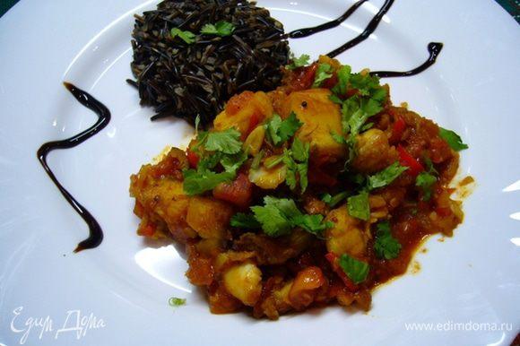 В качестве гарнира можно подать дикий рис (настоящий деликатес, т.к. вкус у него уникальный и собирается черный рис вручную!). Приятного аппетита!