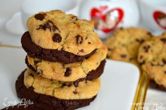 """Ну, а для любителей такого печенья могу еще порекомендовать попробовать такое """"Влюбленное печенье"""" или..... печенье для влюбленных??!! )))) http://www.edimdoma.ru/retsepty/56589-vlyublennoe-pechenie-cookies-in-love"""