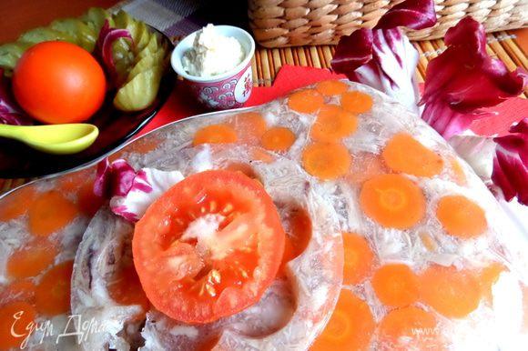 На этот раз украсила помидоркой))