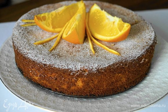 Режем только полностью остывший пирог. Приятного аппетита!!!
