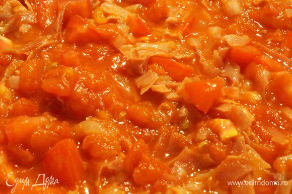 Добавляем помидоры (и консервированные тоже!).