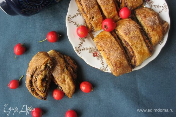 Остывшее печенье разрезать по надрезам и подавать) Приятного)))