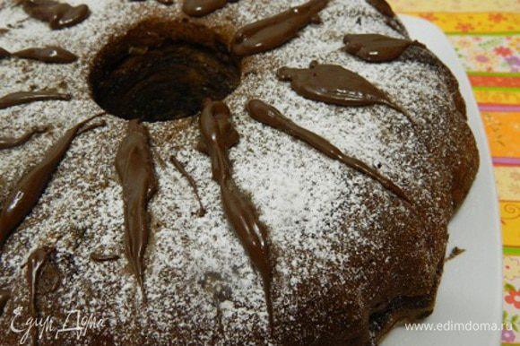 Готовый кекс остудить и украсить сахарной пудрой. Приятного аппетита!