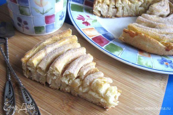 По желанию, можно посыпать (через сито) смесью пудры и корицы после остывания пирога.