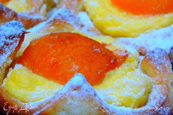 Присыпаем сахарной пудрой и наслаждаемся. Они хороши и в теплом и в холодной виде. Приятного аппетита!!!