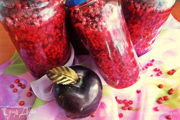 """Точное количество ягод - не скажу, но бегала набирала, мыла дополнительно, когда ещё банки """"требовали"""" ягоду."""