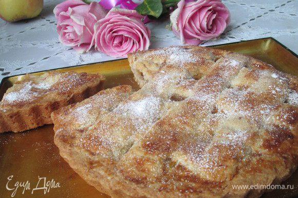 Нарезаем остывший тортик и наслаждаемся чудесной австрийской выпечкой!