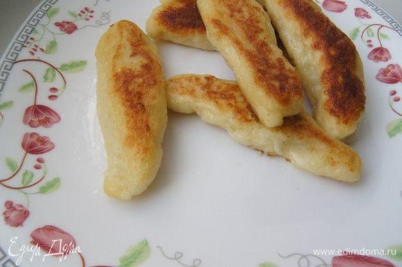 Картофельные пальчики можно подавать и отдельно, и как гарнир, например, к мяску.