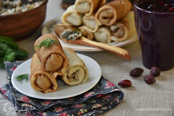 Постные блинчики, фаршированные гречкой и морской капустой, готовы. Вкусно, постно и полезно. Угощайтесь!