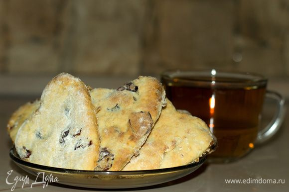 После того, как печенье остынет, его можно употреблять в пищу. Приятного аппетита.