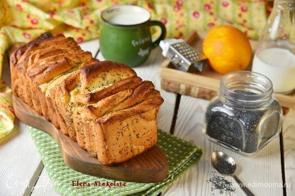 Разогреть духовку до 180°С. Выпекать в разогретой духовке в течение 35-40 минут до готовности. Ориентируйтесь по своей духовке! Если верх хлеба будет гореть, прикройте его фольгой.