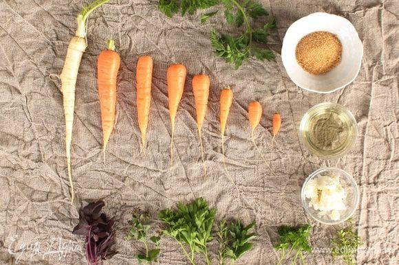 Итак, для нашего салата я рекомендую использовать чесночное масло компании Biolio, оно придаст чесночной нежности и подчеркнет карамельность моркови, так как мы будем сочетать масло, соль и коричневый сахар.