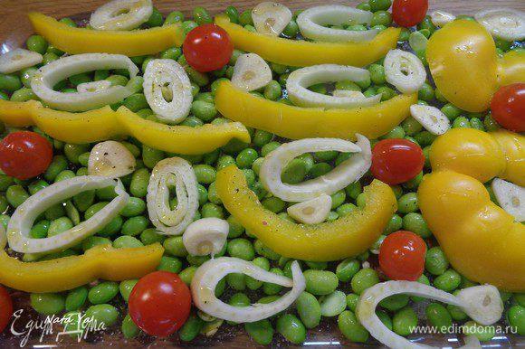 Овощи чуть сбрызнуть оливковым маслом.