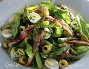 Салат из спаржи с анчоусами