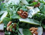 Салат с грушами и сыром рокфор