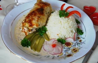 Рецепт Рулетики из индейки по-средиземноморски.