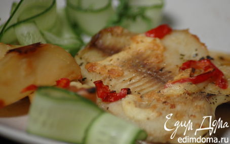 Рецепт Рыба, запечённая с картофелем и красным перцем