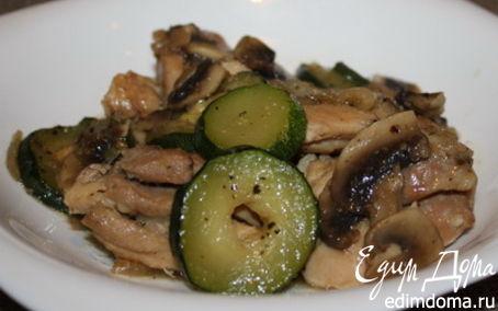 Рецепт Курица с грибами и кабачком