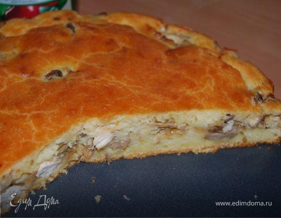 Пирог с грибами и куриным филе