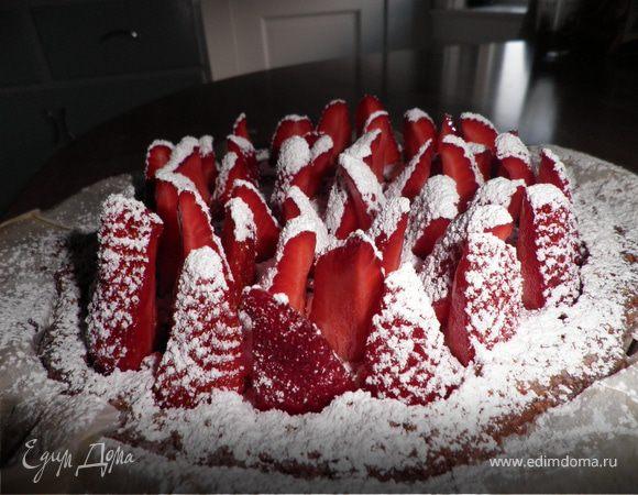 Миндально-клубничный торт