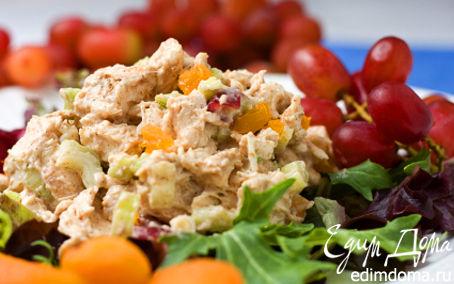 Рецепт Салат с курицей, клюквой и карри