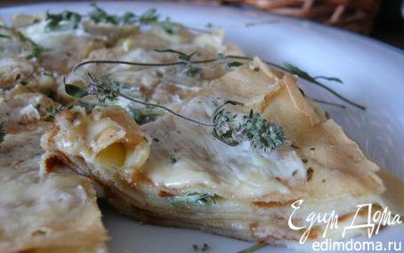 Рецепт Блинный пирог с двумя видами сыра и чабрецом