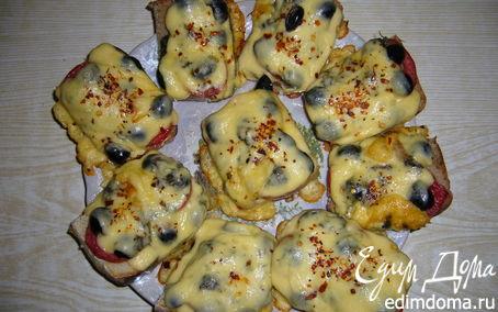 Рецепт Горячие бутерброды с помидорами и оливками