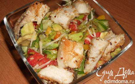 Рецепт Овощной салат с авокадо и куриным филе