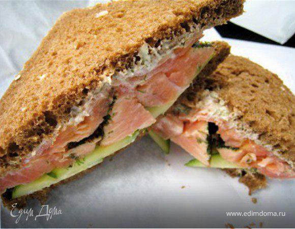 Бутерброд с семгой и огурцом