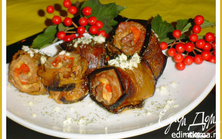 Рецепт Мясные рулетики с баклажанами, брынзой и помидорами