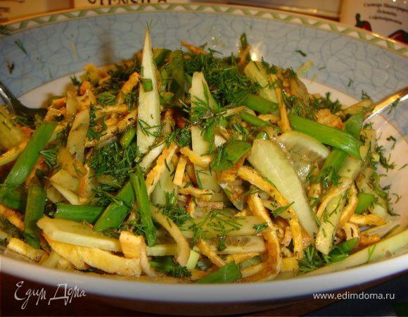Салат из огурцов и омлета