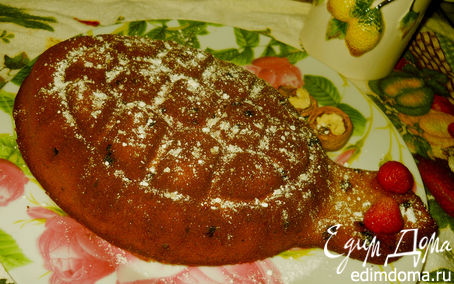 Рецепт Торт с орехами и изюмом