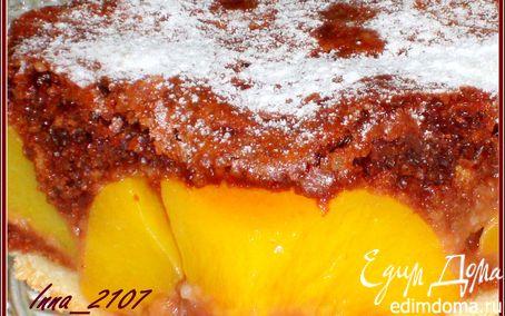 Рецепт Пирог шоколадный с персиками