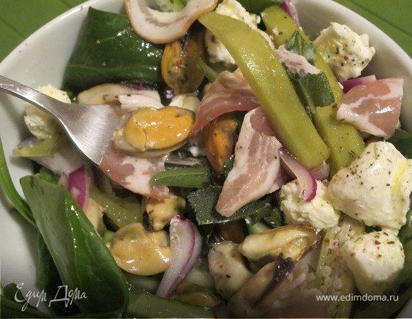Салат с мидиями, беконом и бамия