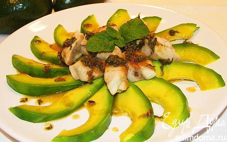 Рецепт Куриная грудка с авокадо под мятным соусом