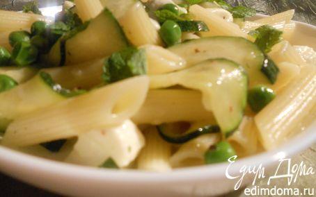 Рецепт Паста с цукини, зеленым горошком и моцареллой