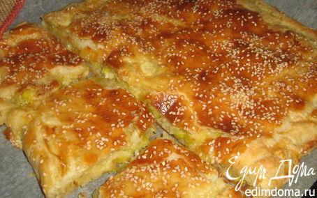 Рецепт Пирог с луком-пореем и пармезаном.