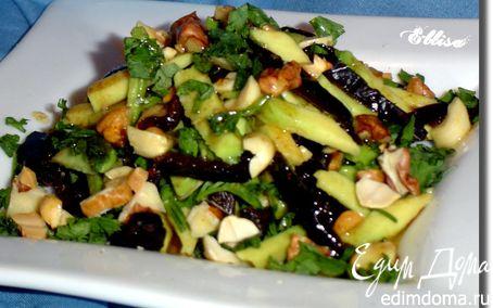 Рецепт Салат с черносливом, авокадо и орехами
