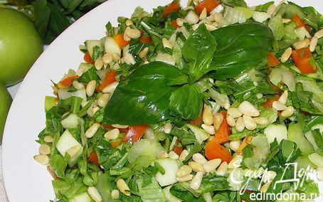 Рецепт Салат из сельдерея,яблока,сладкого перца,черемши и базилика.