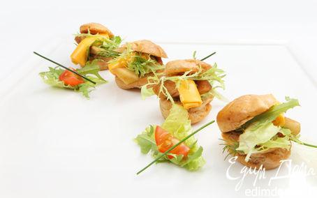 Рецепт Заварной мини - сэндвич с сырным ассорти, маринованной грушей и листьями