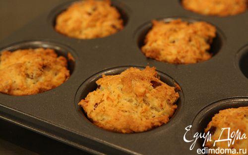 Рецепт Маффины с копчеными колбасками и сыром