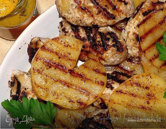 Индюшиные колбаски гриль с грушами