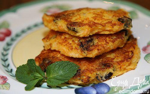Рецепт Оладьи с яблоком, морковью и черносливом