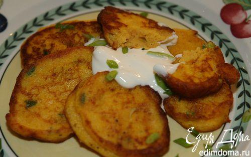 Рецепт Оладьи из тыквы и картофеля с зеленым луком и мускатным орехом