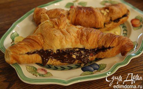 Рецепт Круассаны с шоколадным сыром и миндалем
