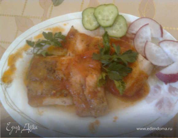 Запеченная рыбка под томатно-чесночным соусом