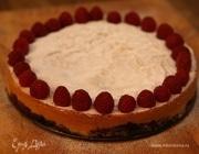 Бисквитный пирог с ежевикой и голубикой